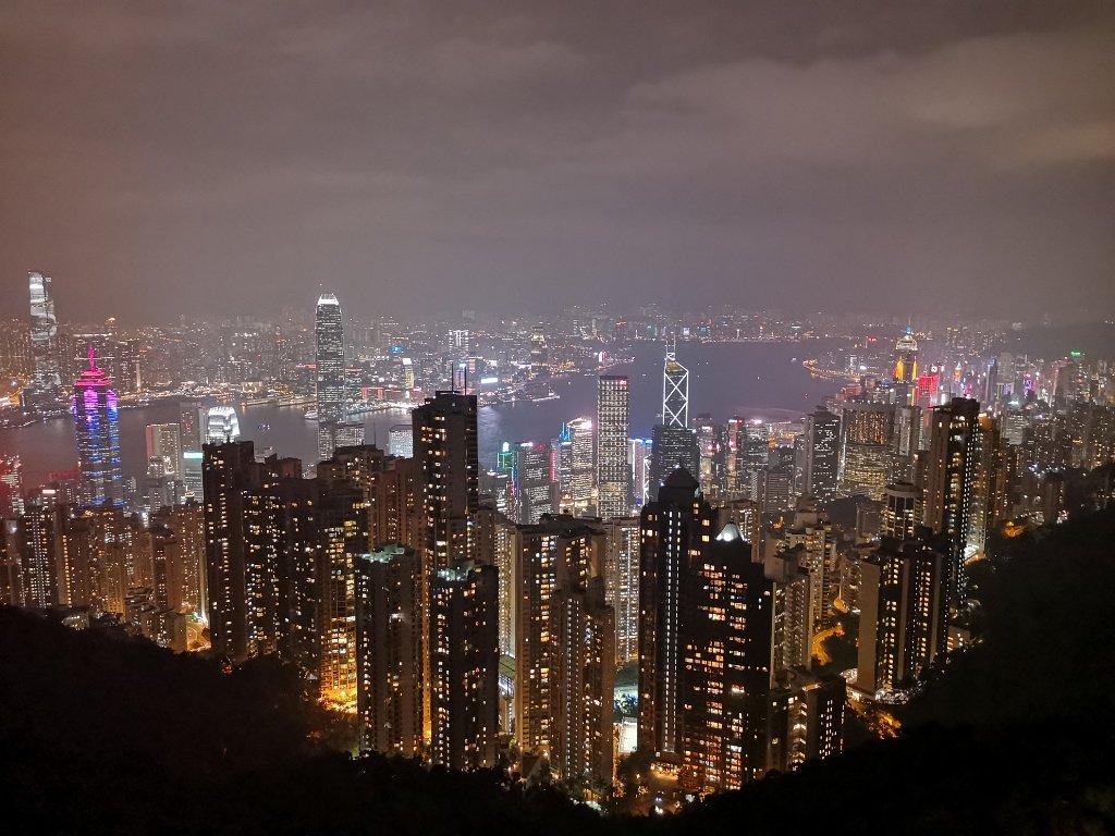 【香港|ビクトリア・ピーク】世界三大夜景は伊達じゃない!ピーク・トラムが工事中だったのでバスに乗ったら混雑ゼロだった話も。【行き方・感想】